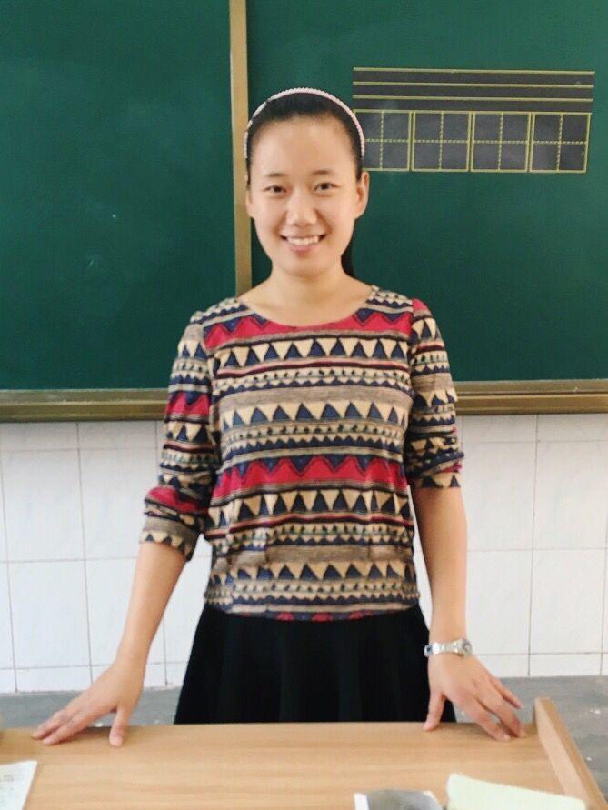 小学数学德育论文_小学教师 查丹丹 - 教师风采 - 安庆外国语