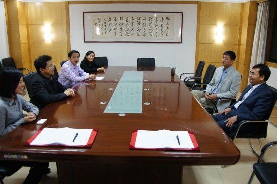 与会人员畅谈山东成人教育的�w发展